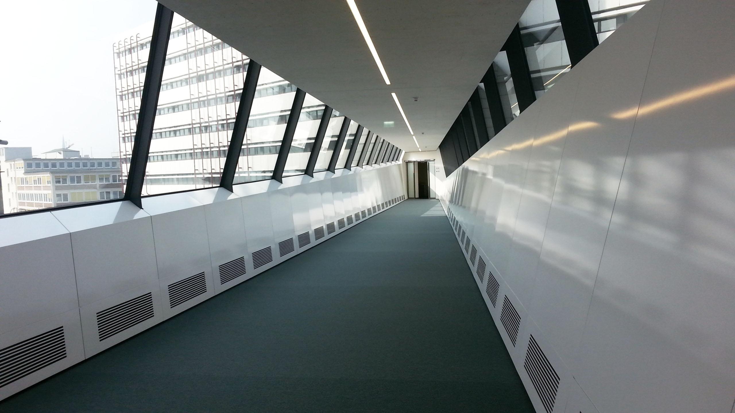 Verbindunsgbrücke in Hamburg. Gebaut durch Lamparter GmbH & Co. KG