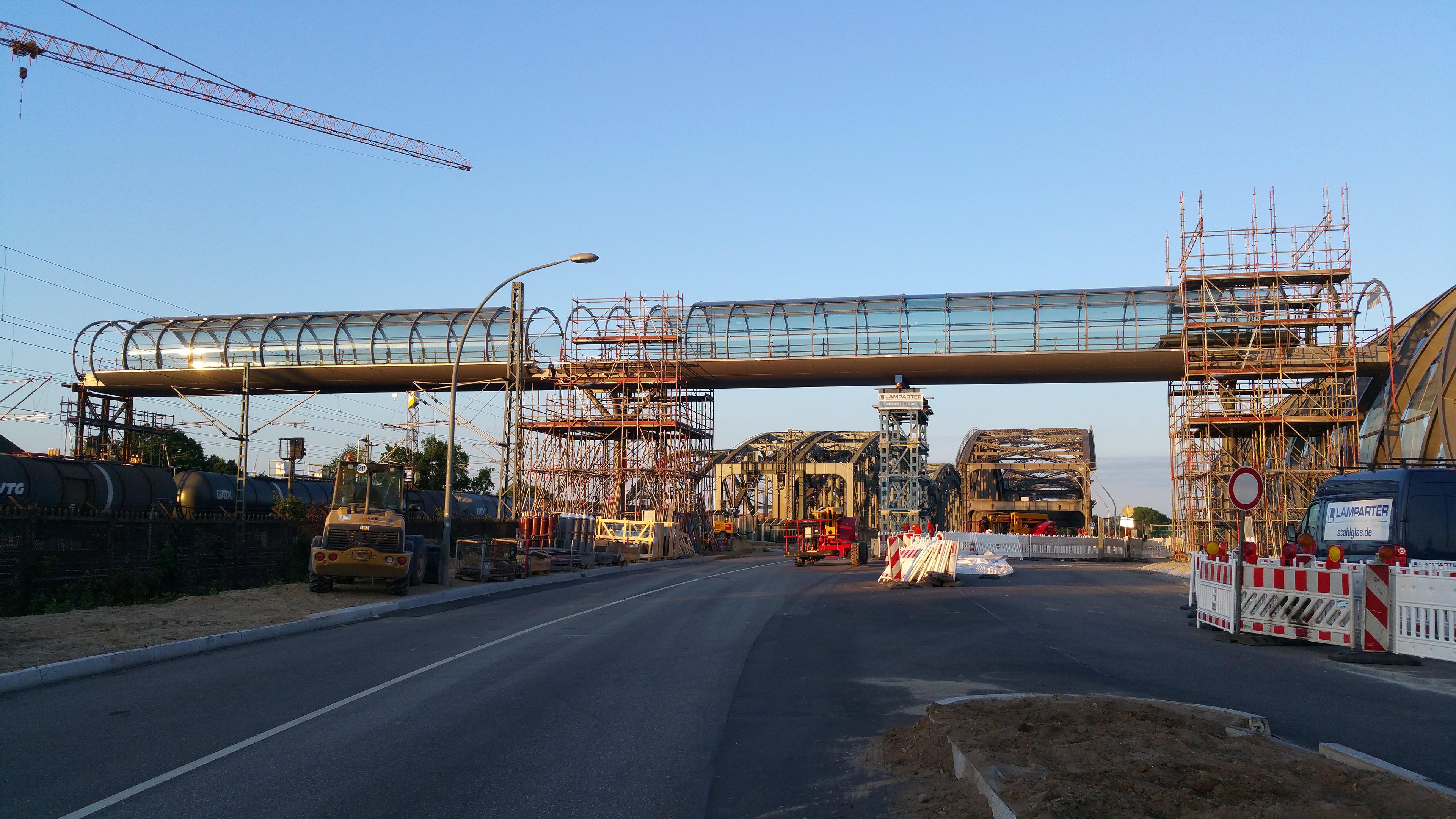 Hamburg Hochbahn Skywalk Brücke