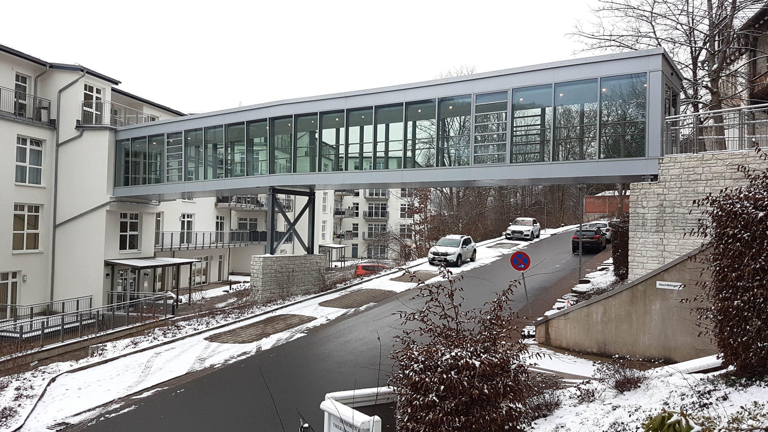 Seniorenzentrum Helsa Fußgängerbrücke