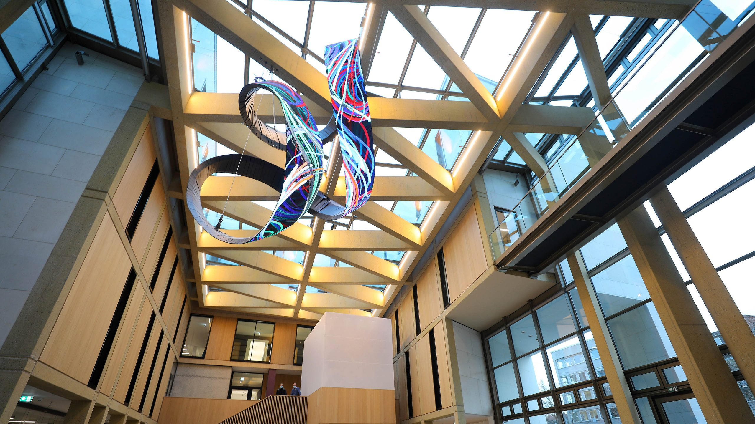 Eingangsbereich Evangelische Bank Kassel - Dach