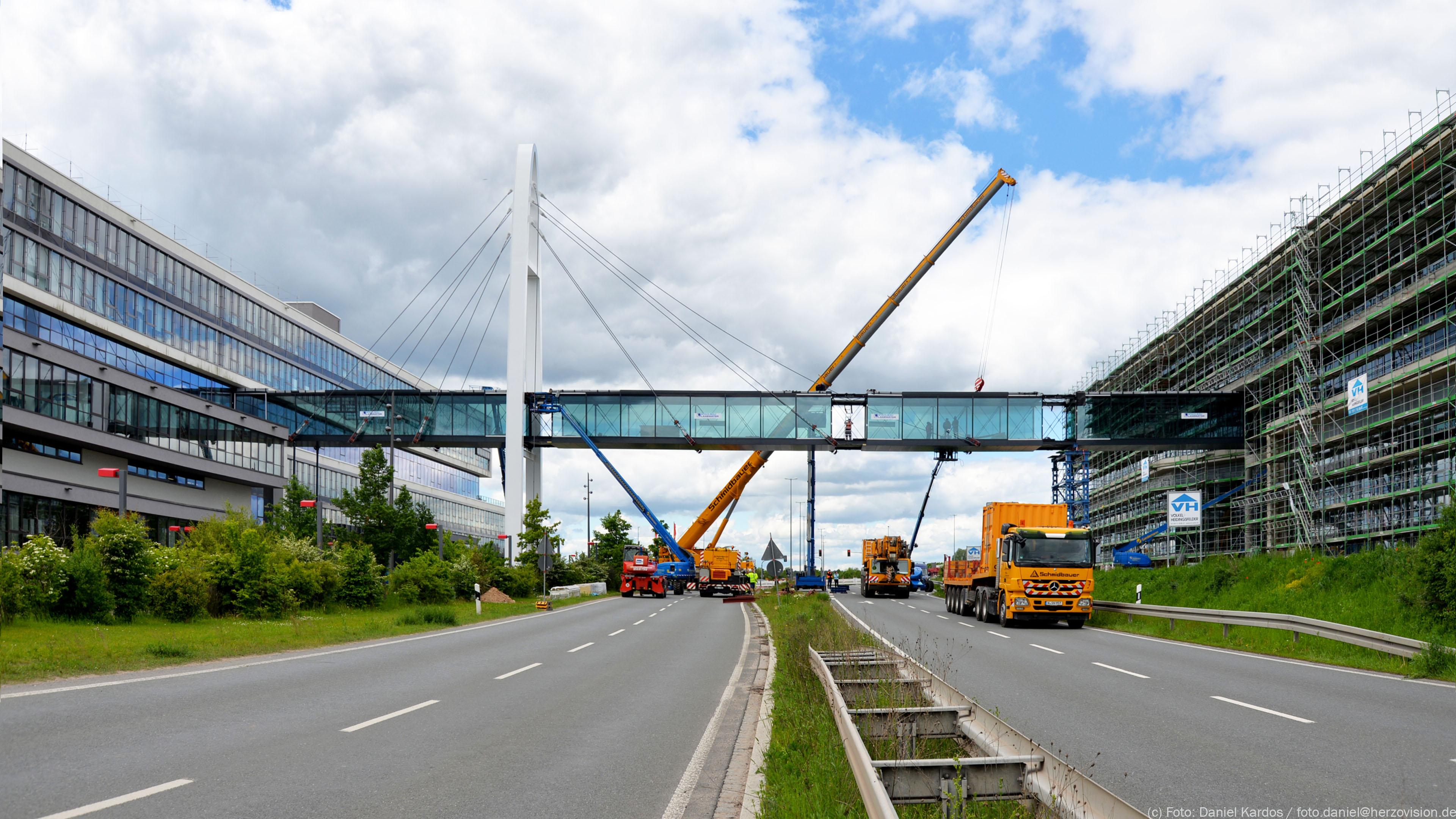Blick zur neuen Puma-Brücke Verbindungsbrücke