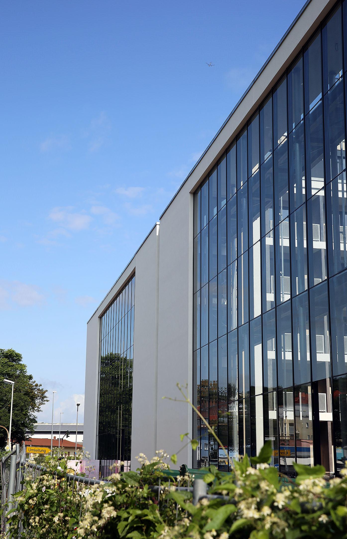 Glasfront Mainz Schallschutzfassade Stahl Glas hochkant-2160
