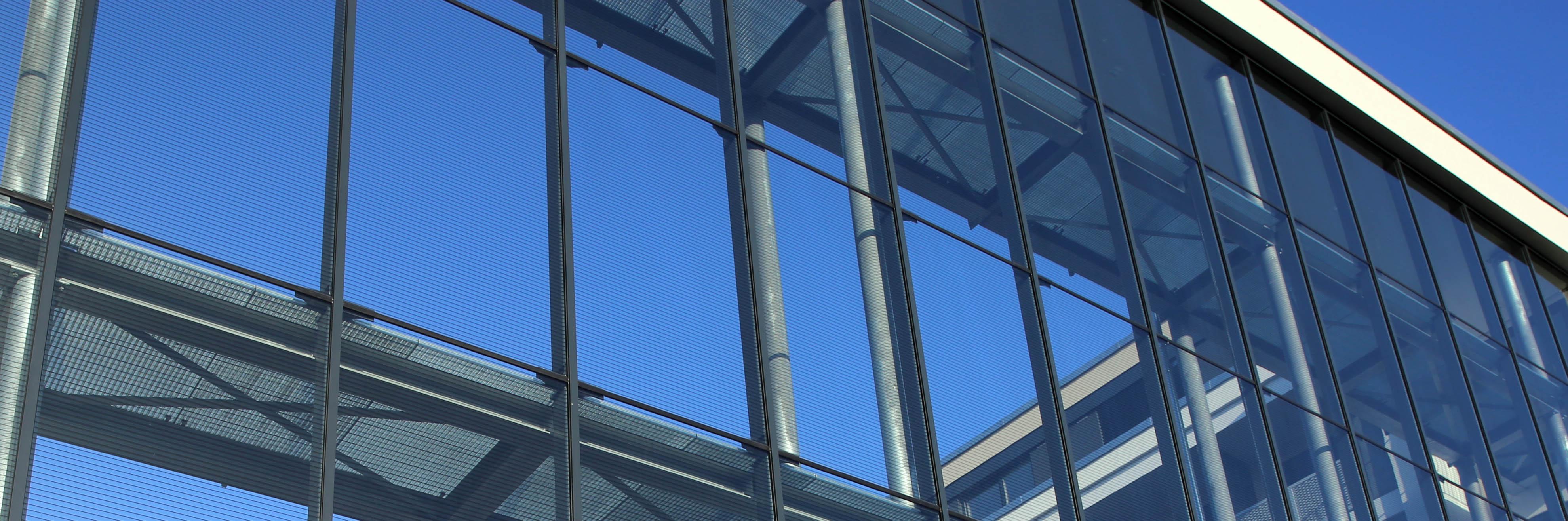 Schallschutzwand Mainz Glasfassade-3840-header
