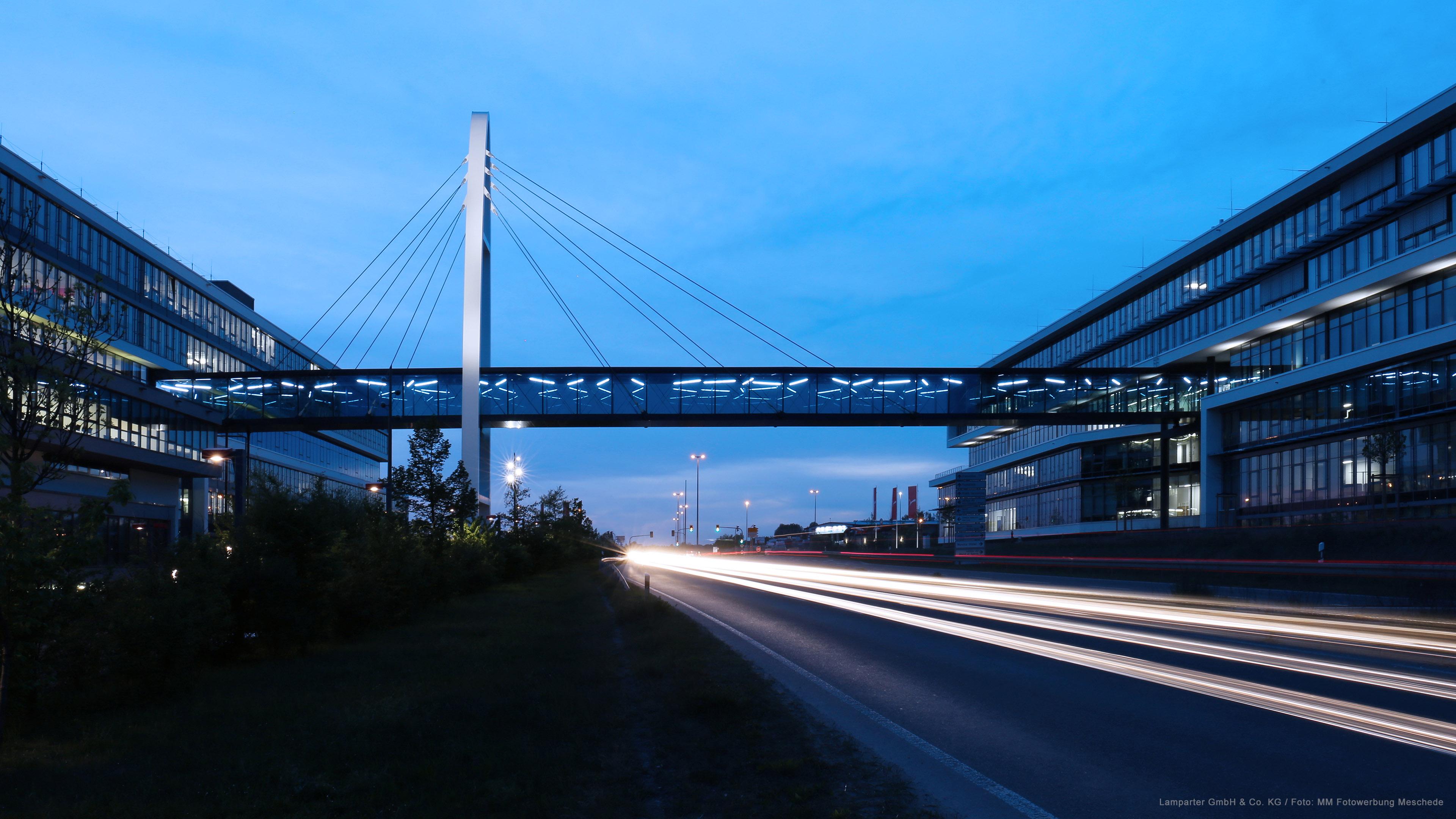 Verbindungsbrücke Bridge Puma Herzogenaurach Stahlbau Metallbau Lamparter Kassel