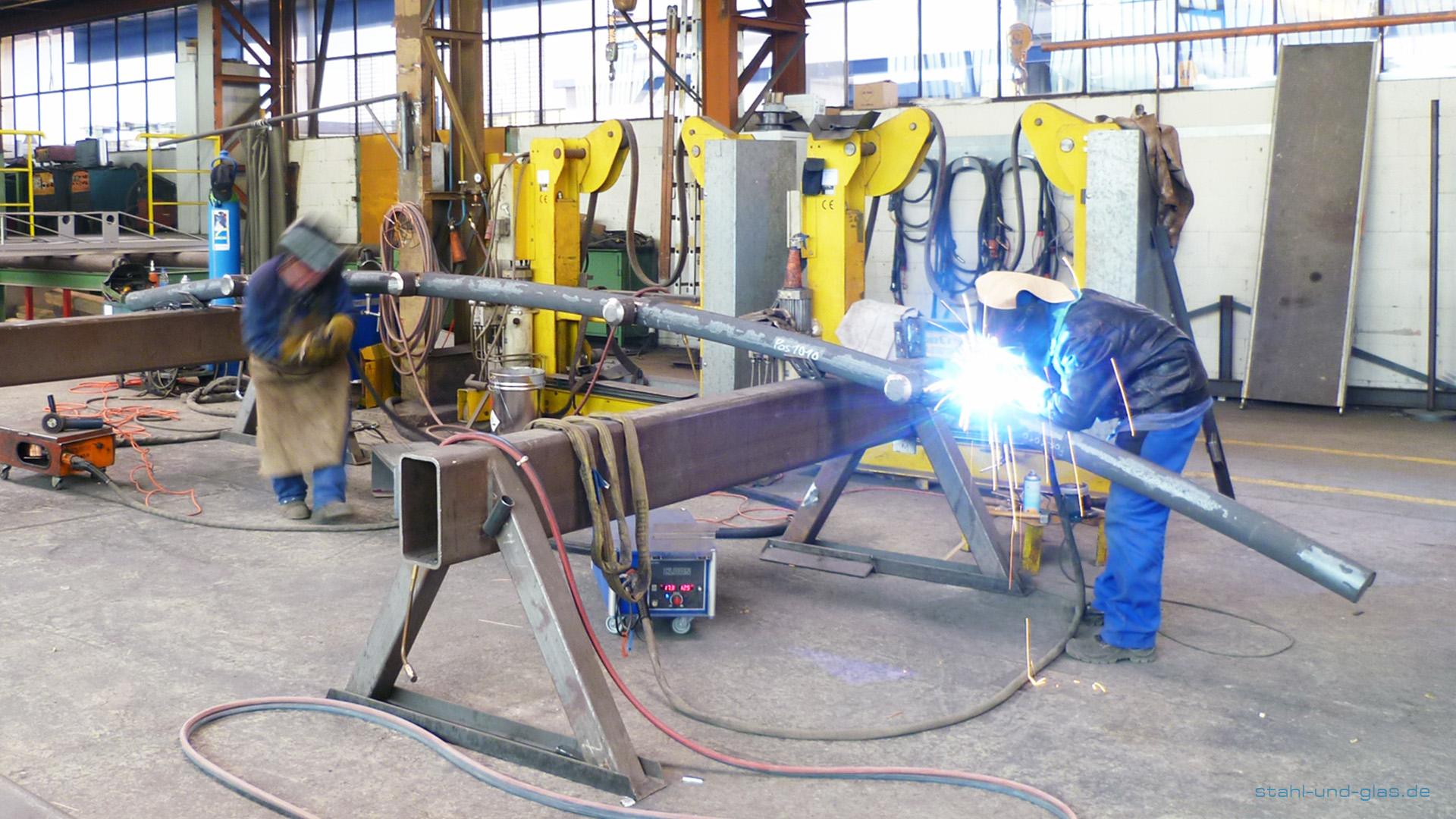 Fertigung von Stahlelementen für die Zentralmoschee in Köln