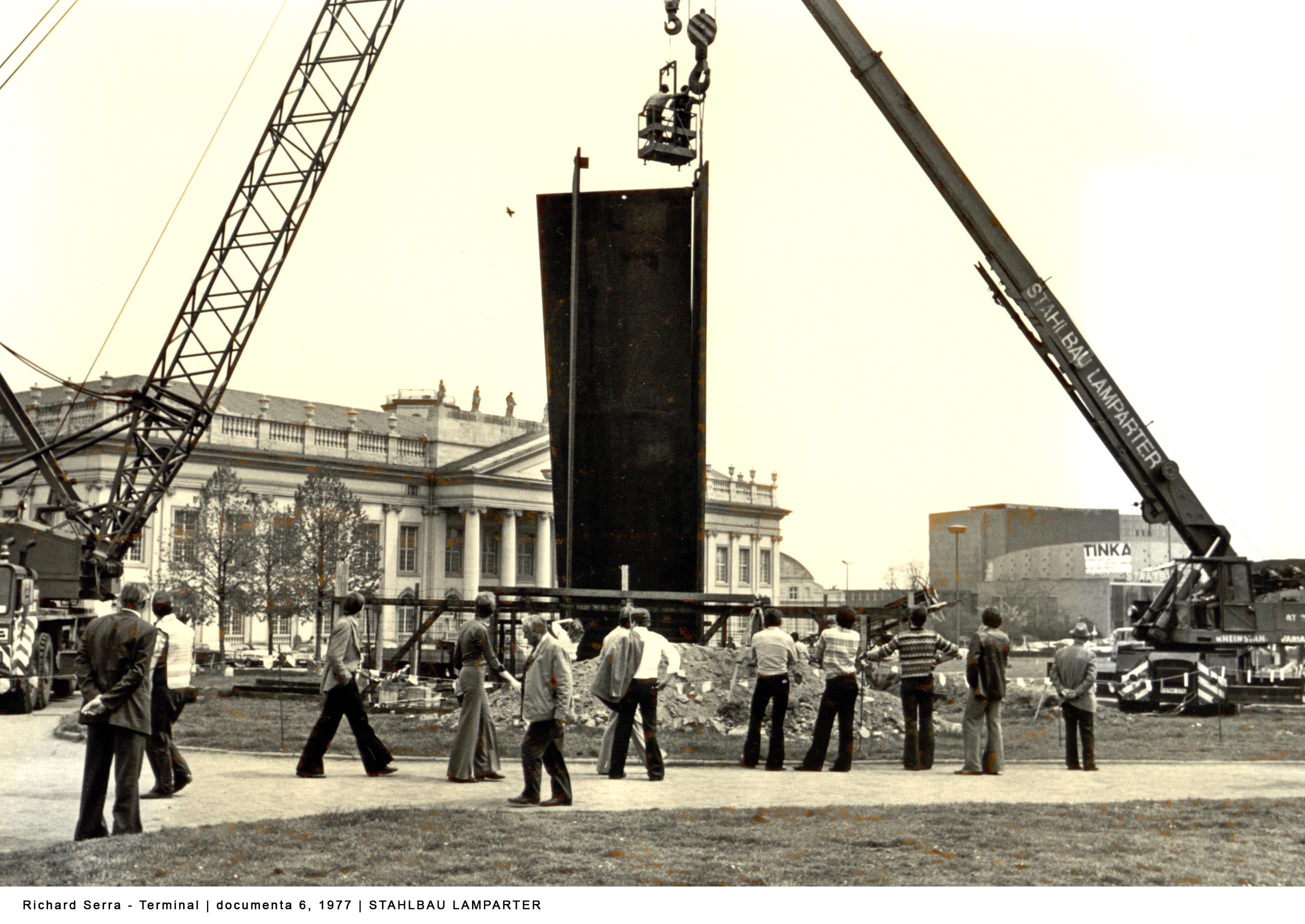 Richard Serra Kunstwerk Terminal documenta Kassel
